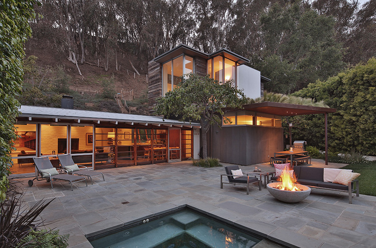 727 Greentree Road In The Canyon